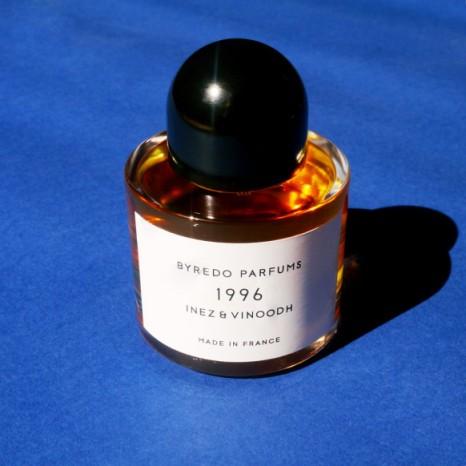 jesuswassize0-bydero-parfum-inez-vidooh-1996